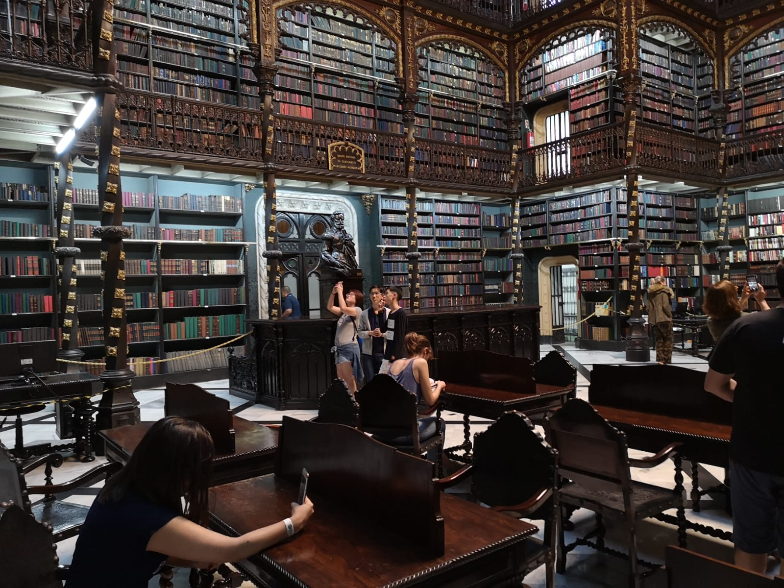 76 bibliothèque